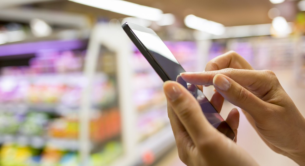 Can mobile apps enhance the shopping experience?