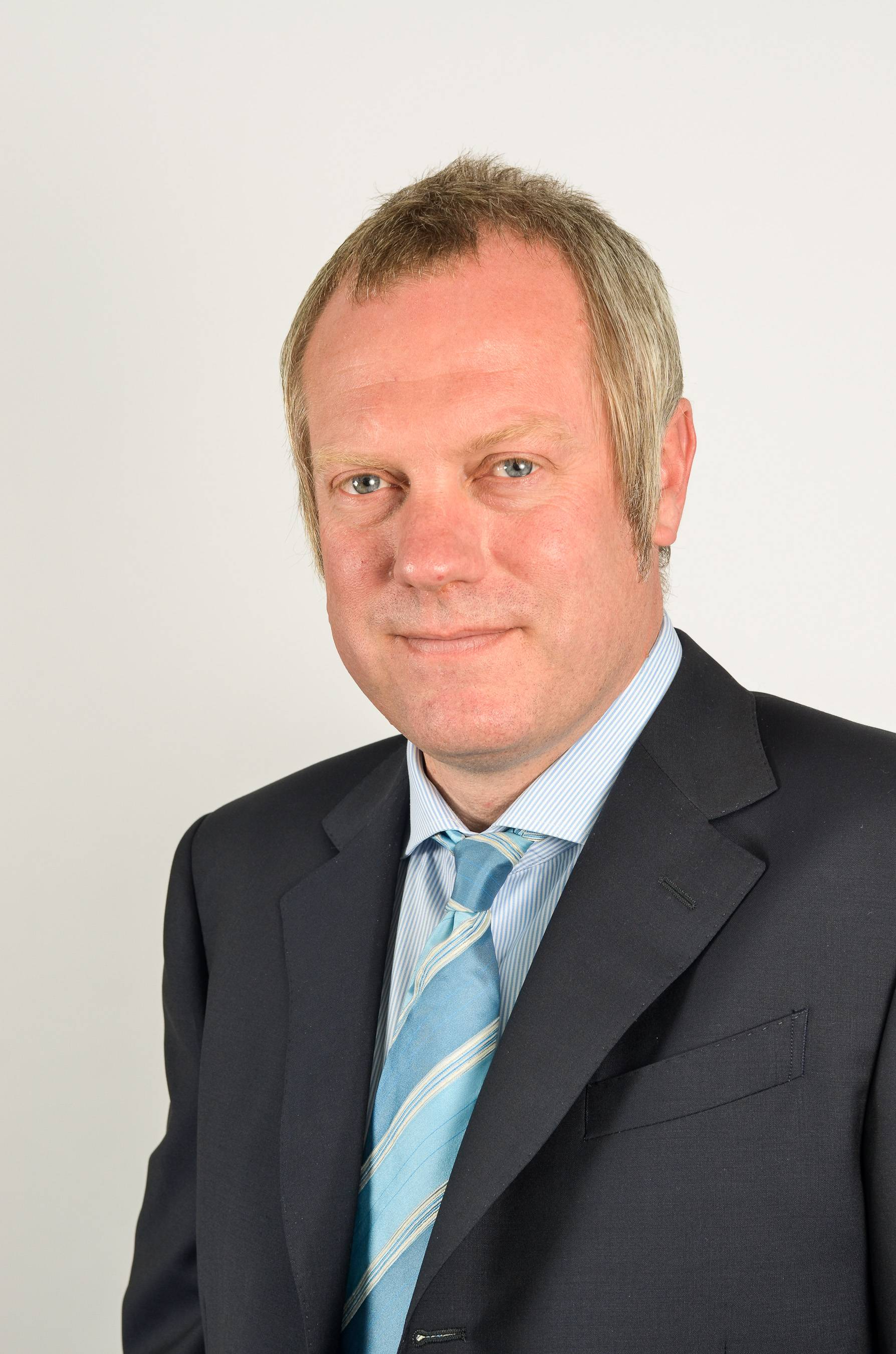 GroceryAid has announced that Barry Williams, chief customer officer at Asda, will be taking over as president of the GroceryAid Fundraising Committee in ... - Barry-Williams-ASDA